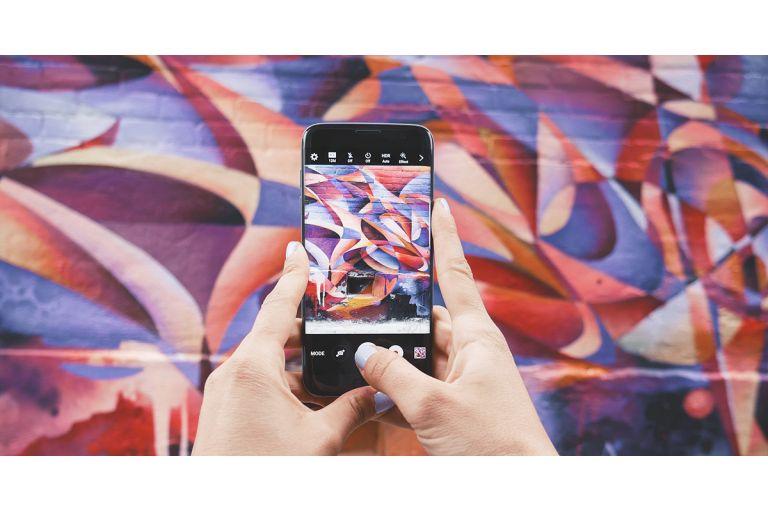 Чи потрібен митцям інстаграм?